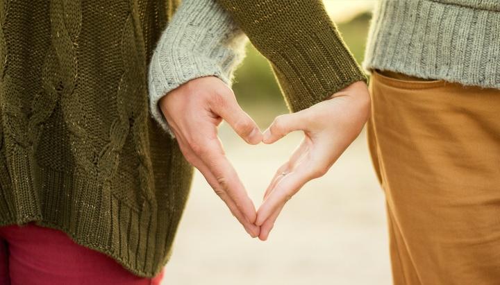 Heart Hand couple